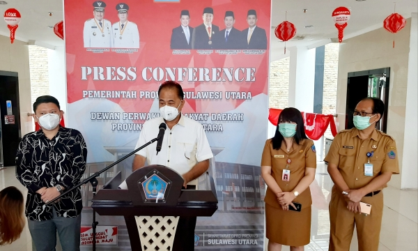 Foto : Perss konference Timsel KPID Sulut